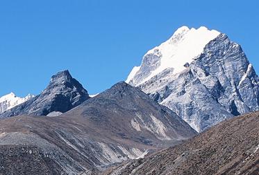 ロブジェイースト峰